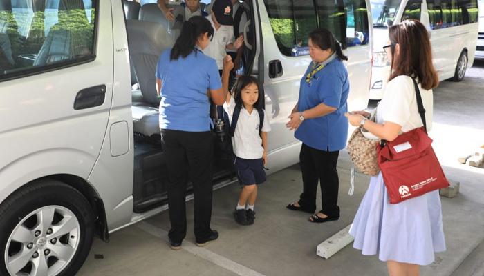 บริการรับส่งเด็กไปโรงเรียน ธุรกิจขนส่งสำหรับนักเรียน